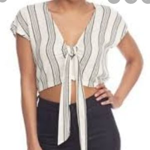 🔥Lily White Cropped Knot Top